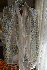 ** NWT *** GORGEOUS LACEY TRIM FLORAL PRINT SCARF *** LADIES *** NEW