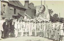 1 CARTE PHOTO PERIERS Cavalcade 1er juillet 1928 Légendée e HÜE-FAVEY à Carentan
