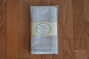 """NEW Premium Hotel Collection Set of 4 Napkins ~ SILVER~New In Package ~18"""" x 18"""""""