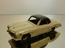 DINKY TOYS   NO= 24H   -  1:43 - MERCEDES 190SL  - GOOD CONDITION