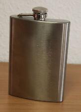 Deluxe Flachmann Set ein Flachmann plus 4 Becher in Silber Design Trinkflasche