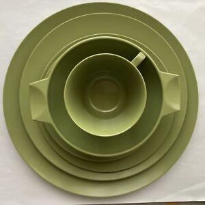 Vintage MELAWARE Olive Green Picnic Plates Bowl Cup Saucer Caravanning USED