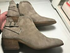 Vince Camuto Size 10M Tan Suede w/Buckles & Zipper Ankle Fashion Boots Booties