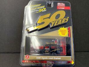 Johnny Lightning Toyota Land Cruiser Off Road Black & Gold Series JLCP7197 1/64