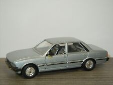 Peugeot 505 Saloon - Solido 1312 France 1:43 *42845