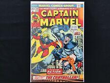 CAPTAIN MARVEL #30 Lot of 1 Marvel Comic Book!