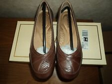Auditions Womens Verona 2 Leather Closed Toe Ballet Flats  5 1/2 M  Brown    K M