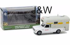 Greenlight Chevrolet C10 argent Streak camping-car 1968 29865 1/64