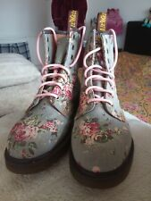 DR MARTENS GREY FLORAL ROSE CASTEL CANVAS UK 7 VGC