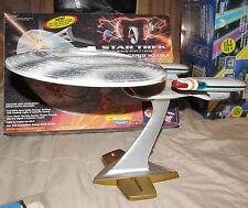 Star Trek Generations STARSHIP ENTERPRISE NCC-1701-D Playmates w/ Box 6171