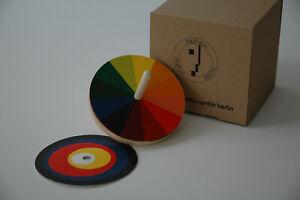 Optischer Farbmischer Bauhaus Kreisel aus Ahornholz Firma Naef
