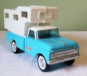 Early Nylint Toys FORD 250 CAMPER SPECIAL w/WORKING PHILCO RADIO 60's V RARE