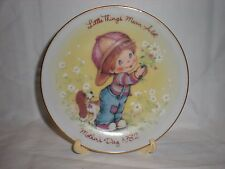 mini Mother'S Day 1982 plate from avon with stand
