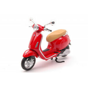 Maisto 1:12 Vespa Primavera 150 Scooter Diecast Toy Model Red