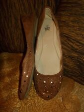 JUST JEANS CARAMEL TAN CAMEL BROWN BALLET FLATS WITH GOLD BLING DETAIL - SIZE 9