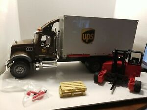 Bruder 1:16 Scale Mack UPS Freight Truck--some parts needed