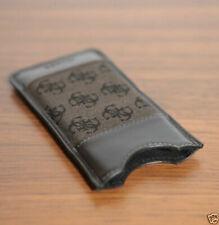 Fundas y carcasas marrones GUESS para teléfonos móviles y PDAs
