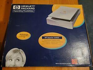 HP Scanjet 3200c  Flatbed Scanner