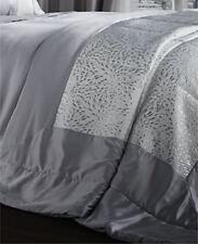 Couvre-lits gris