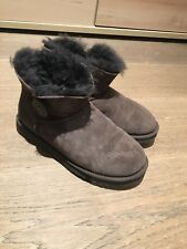 UGG Boots Bailey Button 38 Braun