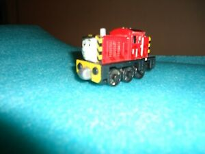 Thomas the Train Take n' Play Engine Salty 2012 Die Cast Magnetic