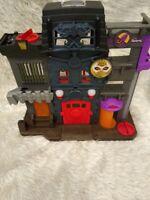Fisher Price Imaginext DC Super Friends Batman Gotham City Penguin Playset