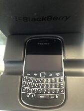 BRAND NEW GENUINE BLACKBERRY BOLD 9900 BLACK 8GB QWERTY UNLOCKED IN ORIGINAL BOX