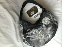 """Twlight New Moon Hobo Bag    """"I want you always"""" New with Tags by Neca READ"""