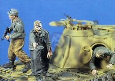 Jaguar 1/35 Bail Out German Tank Crew Escaping from Tank WWII (3 Figures) 63003
