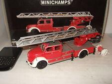 Véhicules de pompiers miniatures rouge