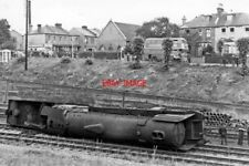 PHOTO  LNER CLASS A2  60508 DUKE OF ROTHESAY ACCIDENT AT NEW SOUTHGATE 1948