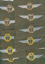 Bundeswehr:10 Fallschirmspringerabzeichen auf oliv