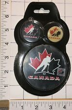 1 MIP TEAM CANADA IIHF WORLD JUNIOR CHAMPIONSHIP HOCKEY PUCK KEYCHAIN & PIN MIP