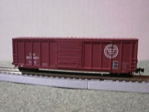 ROUNDHOUSE N SCALE TEXAS & PACIFIC (MOP) 50' BOX CAR W/MT'S