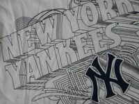 MLB NY New York Yankees T-Shirt Large/L NWT!