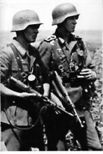 WW2 -  Grenadiers allemands avec leurs MP 40 Schmeisser