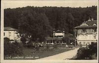 Lázně Luhačovice Tschechien alte s/w AK 1929 Lázeňské nám Partie im Park Kurpark