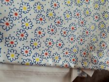 NEW WHITE BLUE COTTON FABRIC FLORAL DAISY PRINT *2 METRES*