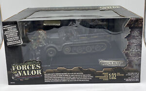 Forces of Valor German Sd. Kfz. 7/1 mit 2 cm Flakvierling 38  1:32