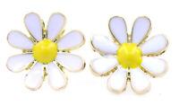 Very pretty white enamel daisy stud earrings, retro