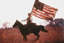 Mel Gibson 11x17 Mini Poster The Patriot with ragged American Flag on horse