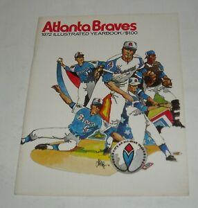 1972 ATLANTA BRAVES SOUVENIR YEARBOOK MAGAZINE HANK AARON PHIL NIEKRO RICO CARTY