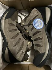 New listing Columbia Mens Redmond V2 Cordovan/Baker Hiking Boots Size 11 (2165041)
