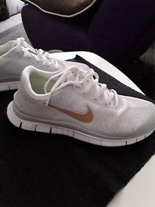 Nike Free 4.0 v2 Gr. 40/8,5