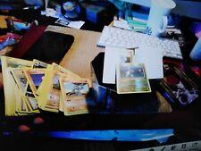 lot de 200 cartes pokemon TBE + cartes energy + boite .