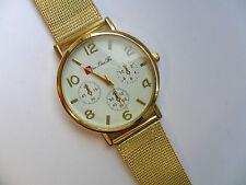 SALE  Very Smart  White Faced Quartz Watch Gold Metal Strap  SALE