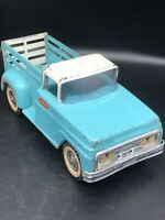 TONKA FARM STAKE BED PICK UP TRUCK IN BLUE & WHITE PRESSED STEEL TOY