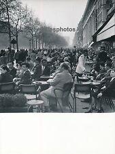PARIS c. 1950 - Les Champs Elysées Terrasses Cafés - DIV590