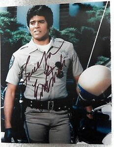 Chips TV Star Erik Estrada Signed 8x10 Photograph Auto