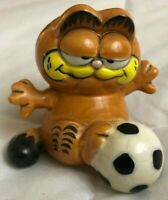 Vintage Ceramic Garfield the Cat Soccer Figurine Enesco 1981